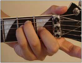 E Major chord finger placement